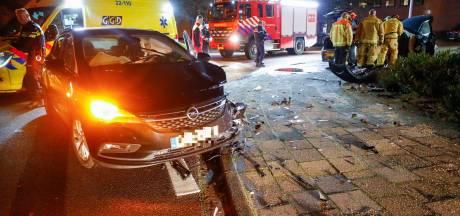Een gewonde bij ongeval met twee auto's op kruising in Eindhoven