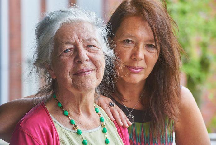 Margriet Pullens met dochter Evelien.