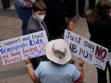 Gouverneurs VS blokkeren anti-transgenderwetten