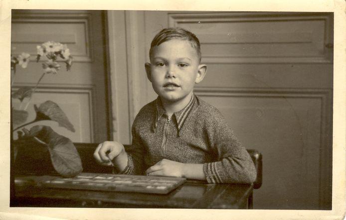 Frits van Eck bracht als vijfjarig Rotterdams jochie de laatste maanden van de Tweede Wereldoorlog door in Vaassen. Hij schrijft daarover in het jongste nummer van Ampt Epe, het tijdschrift van de historische vereniging. foto Eigen foto