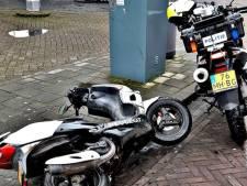 Scooterrijder denkt te kunnen ontsnappen aan agent op motor