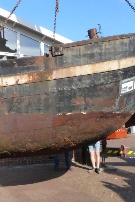Hoe behoud je een historisch zandschip? Nou gewoon, door het in stukken te zagen