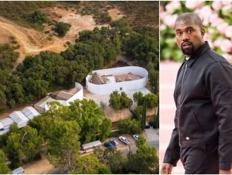 BINNENKIJKEN. In deze hoeve van 1,8 miljoen euro bouwt Kanye West aan zijn romance met Irina Shayk