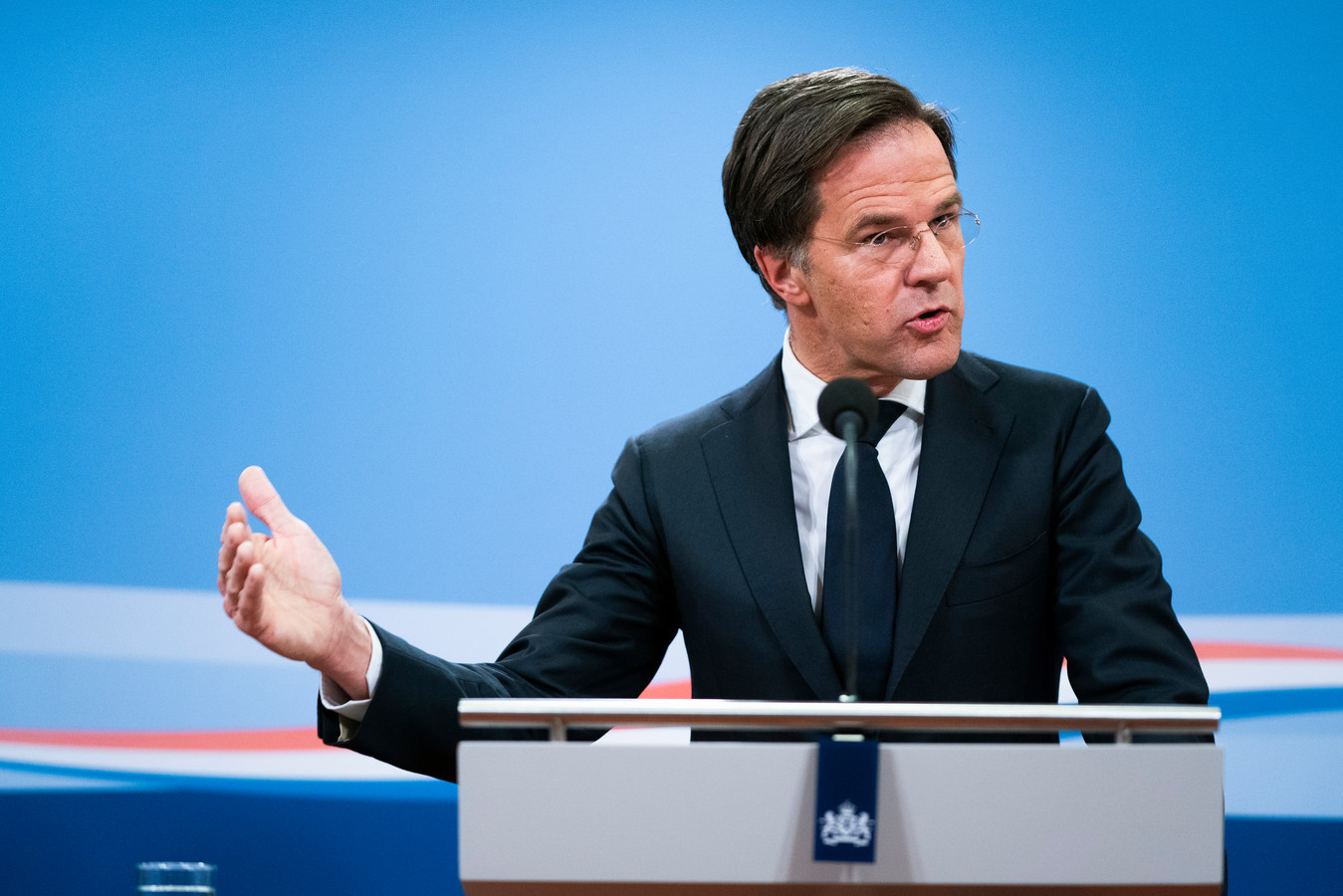Demissionair premier Mark Rutte tijdens een persconferentie