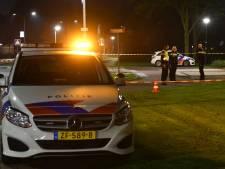 Auto scheurt met 150 km/uur door Woerden, agenten lossen schoten: verdachte aangehouden