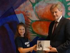 'Afscheidsinterview' staatssecretaris Van Rijn met Suus (11) uit Dorst