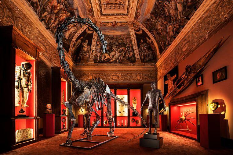 Galerie Theatrum Mundi in het Italiaanse Arezzo heeft een T. rex in de aanbieding voor 4 miljoen euro, een jonge Allosaurus voor 700.000 euro en een vliegende Pteranodon longiceps voor 140.000 euro. Beeld Theatrum Mundi