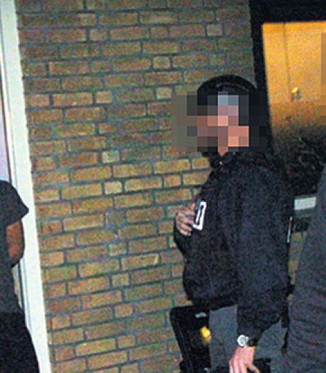 Politie licht harde kern jeugdbende van het bed