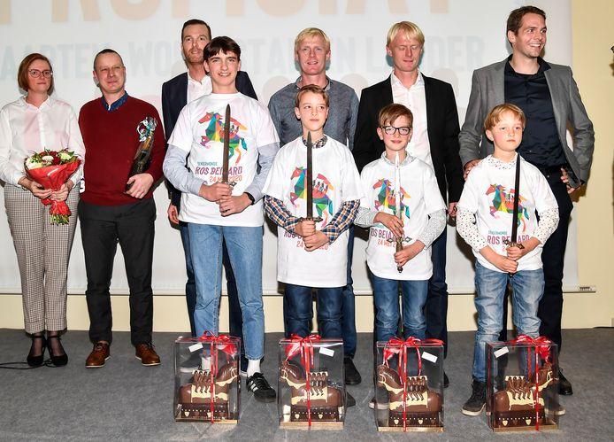De broers Veldeman, die in 1990 op het Ros Beiaard zaten, zullen het peterschap van de broers Cassiman op zich nemen.
