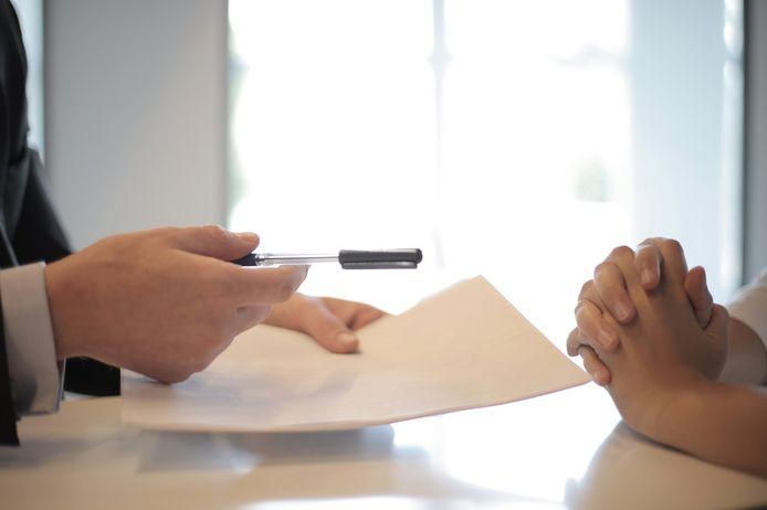 Bij een tekenbonus ontvang je een geldbedrag als je een contract tekent.