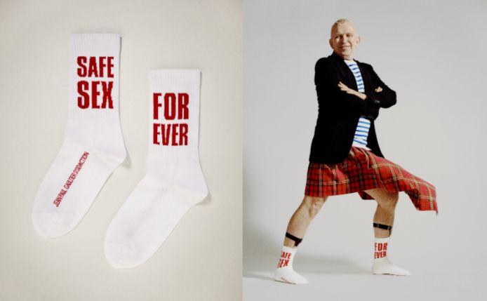 """Jean Paul Gaultier a dévoilé fin mars une paire de chaussettes collector, intitulée """"SAFE SEX FOREVER""""."""