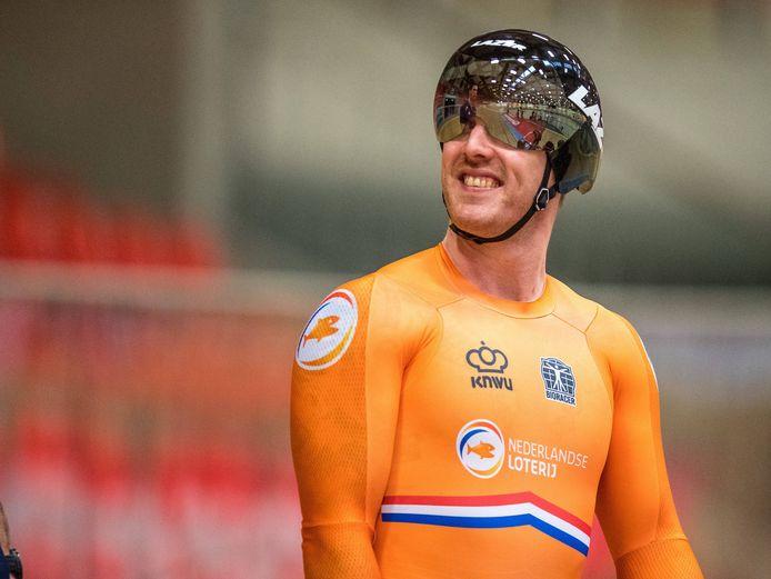 Roy van den Berg kan eindelijk lachen, de Kampenaar heeft zich als lid van de Nederlandse teamsprint geplaatst voor de Olympische Spelen van Tokio.