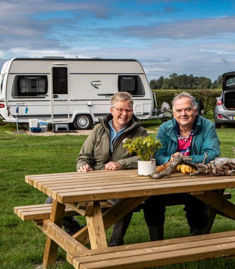 Toerist durft het aan in 'coronadorp': 'Liever veilig in Bathmen op camping dan thuis'