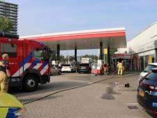 Scooter vliegt in brand nabij tankstation in Zoetermeer, een gewonde