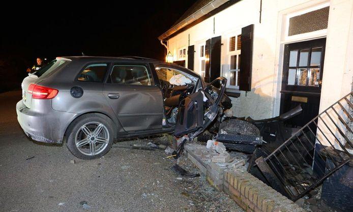 Het ongeluk gebeurde omstreeks 23.45 uur.