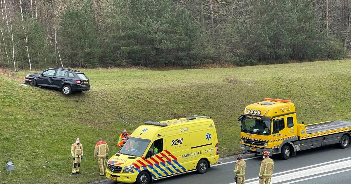 A50 tussen Eindhoven en Oss dicht door ongeluk bij Ekkersrijt.