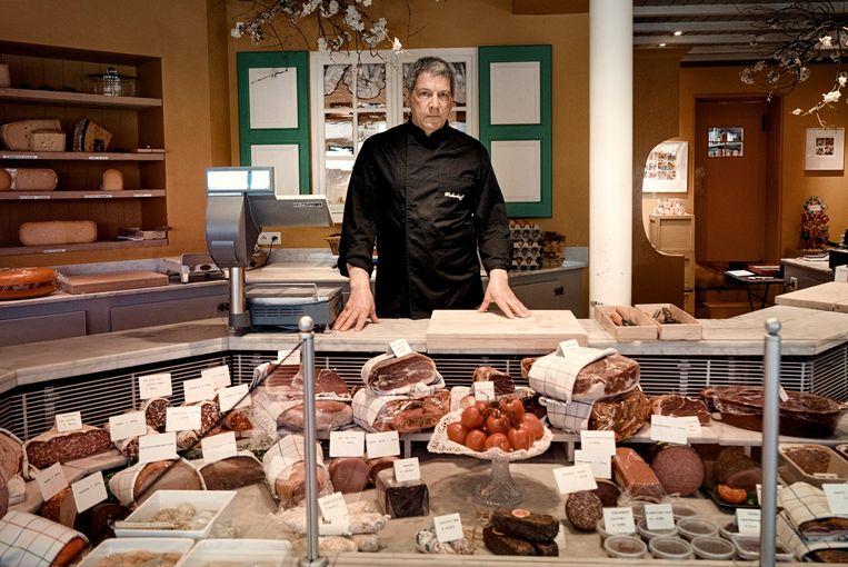 Robert Wickerhoff in zijn delicatessenzaak. Beeld Eric de Mildt