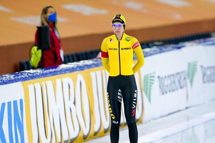 Carlijn Achtereekte vlak voor de start van de 3000 meter.