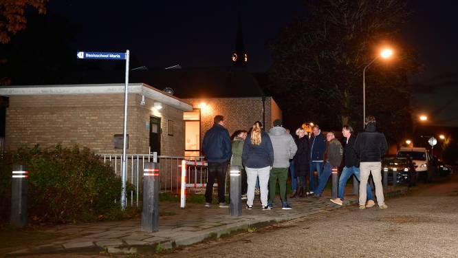 Protest tegen dreigende sluiting Mariaschool: 'Als de school verdwijnt, verdwijnt het leven uit Langeweg'