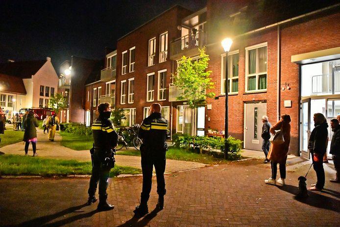 Midden in de nacht kwamen de bewoners op straat te gaan.