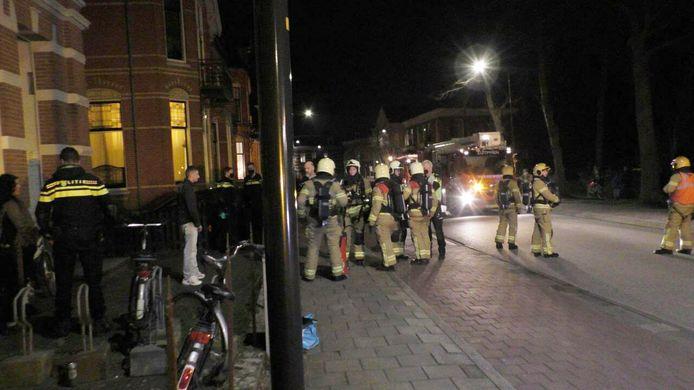 Brandweer is ter plaatse aan de Burg. Dijckmeesterweg in Zutphen.