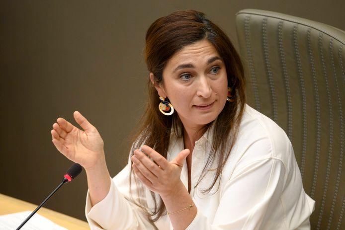 La ministre Zuhal Demir au Parlement flamand, décembre 2020.