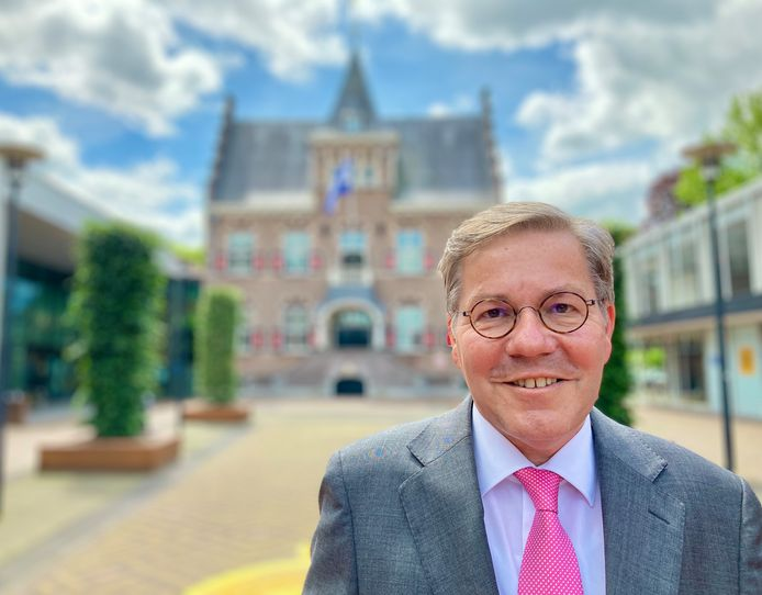Berry Link voor het gemeentehuis van Veendam