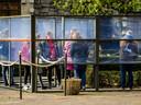 KAATSHEUVEL - Bezoekers in de Efteling.  ANP REMKO DE WAAL