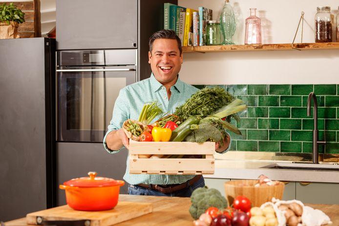 Danny Jansen doet boodschappen voor een week, maar laat zich qua groenten in de winkel verrassen.