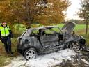 Auto uitgebrand na frontale aanrijding op N617 in Sint-Michielsgestel.