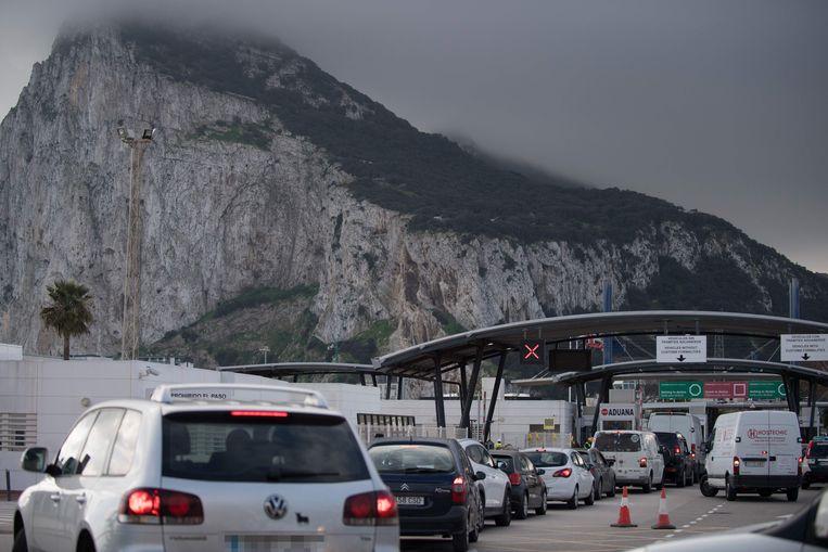 Archiefbeeld: file aan de grens tussen Spanje en Gibraltar. Beeld AFP