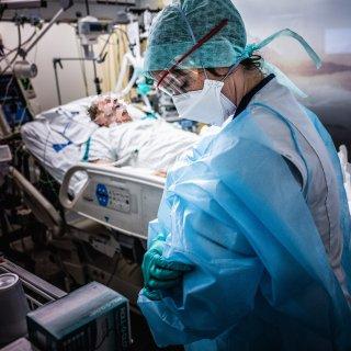 live---absoluut-record-ziekenhuisopnames--vandaag-al-zeker-689-mensen-opgenomen