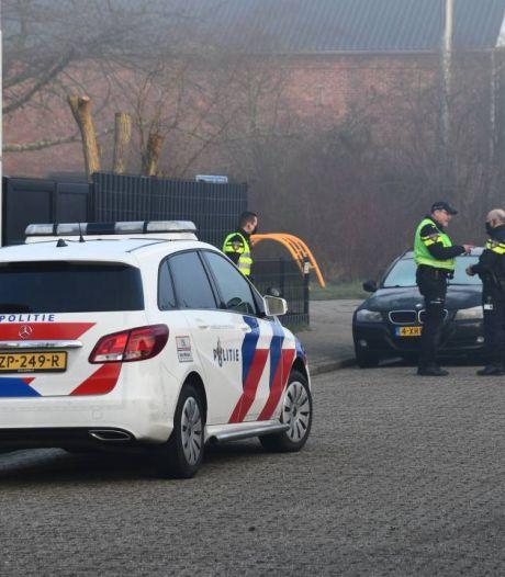 Tweetal rijdt mogelijk opzettelijk man aan in Axel; ook tweede verdachte meldt zich bij politie