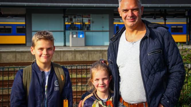 Opeens politie naast stilstaande trein in Apeldoorn: 'Dit is serieus, dit is eng'