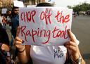 Heel wat mensen protesteerden tegen het zoveelste zwakke optreden van de overheid in de verkrachtingszaak.