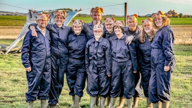 """""""Varkens, voeders en stront"""": locatietheater ZWINS komt naar Edegemse boerderij"""
