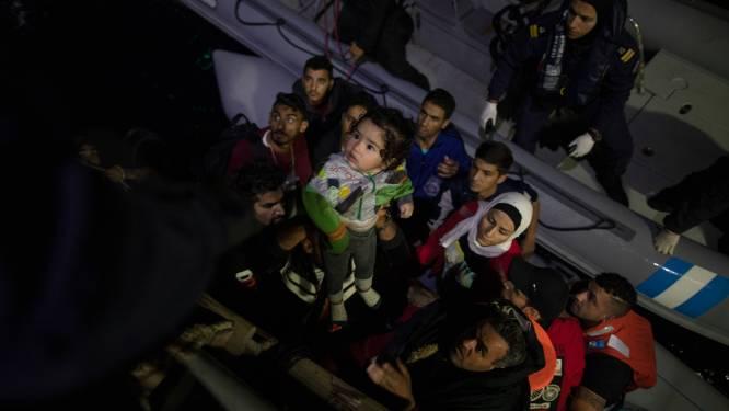 Kind verdronken en man vermist na botsing tussen migrantenboot en schip van Griekse kustwacht