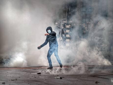 Drietal aangehouden voor avondklokrellen, onder wie minderjarige (16) voor plunderingen in Den Bosch