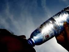 School verplicht kinderen water te drinken, ouders boos: 'Water is voor honden'