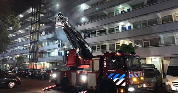 Dode bij brand in flat Haarlem na explosie