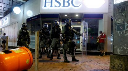 Hongkongse betogers roepen op om massaal geld af te halen als economische waarschuwing
