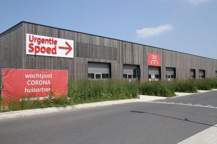 Het test- en triagecentrum in Knokke is overbevraagd, mensen moeten nu al naar buurgemeenten.