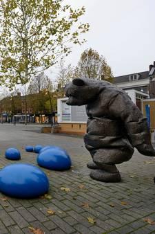 Enschede versus Hengelo: Twee steden, twee pleinen
