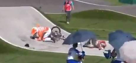 Bizarre botsing op olympische BMX-baan: Niek Kimmann uit Lutten knalt op overstekende official