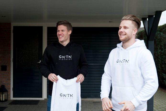 Justin Kimmann (links) en Mitchel Schotman, die respectievelijk tweede op het NK BMX en Nederlands kampioen werden.