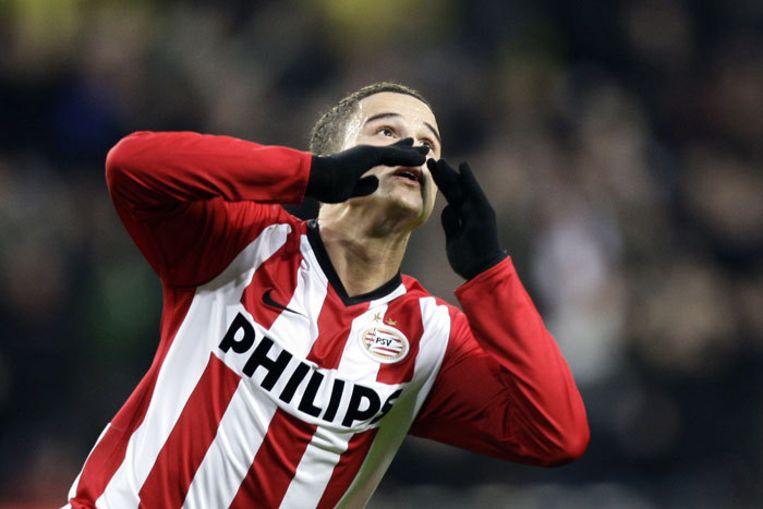 Ibrahim Afellay van PSV juicht na het scoren van 1-0 tijdens de wedstrijd tegen Feyenoord in het Philips stadion. Foto ANP/Vincent Jannink Beeld