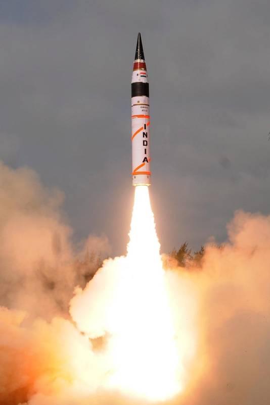 Lancering van een Indiase raket.