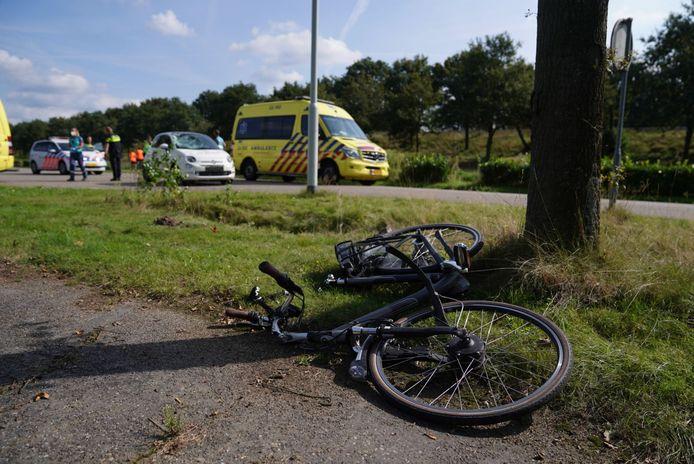 De fietser raakte gewond bij het ongeluk.