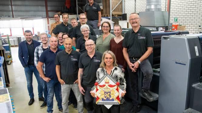 Honderdjarige drukkerij uit Enschede wordt 'Hofleverancier'