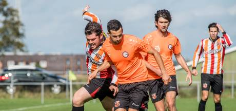 Voetbalclubs in Rivierenland houden hoofd boven water in coronatijd: 'Maar zonder baromzet is het heel moeilijk'